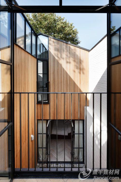 木板拼接式房子图片