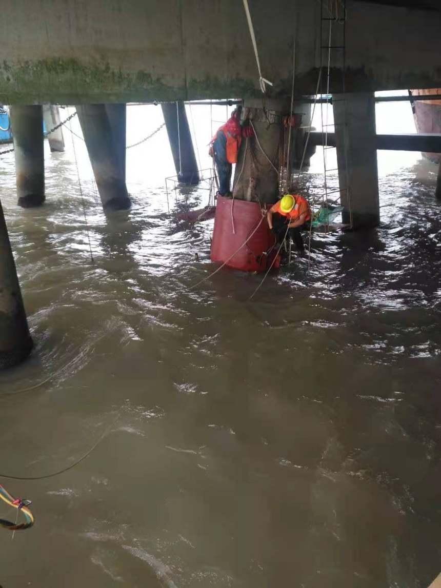 自貢水下切割橋樁橋墩碼頭樁專業