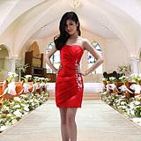 分享:婚纱饰品红色金色婚鞋:头条新闻