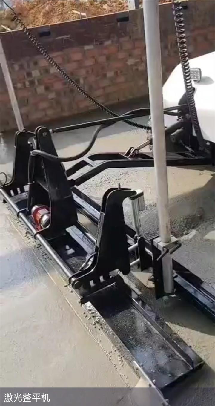 開封蘭考縣混凝土攤鋪機