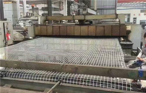 鐵嶺瀝青路面玻纖格柵山東潤杰工程材料有限公司