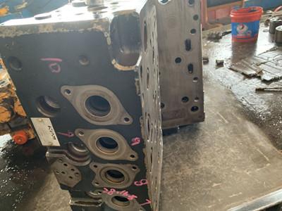清镇市卡特发掘机维修售后电话卡特补缀中心